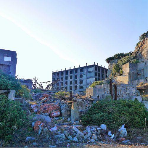 海底炭鉱で栄えた島「端島」