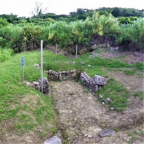 八重瀬町富盛に残る「山井泉」