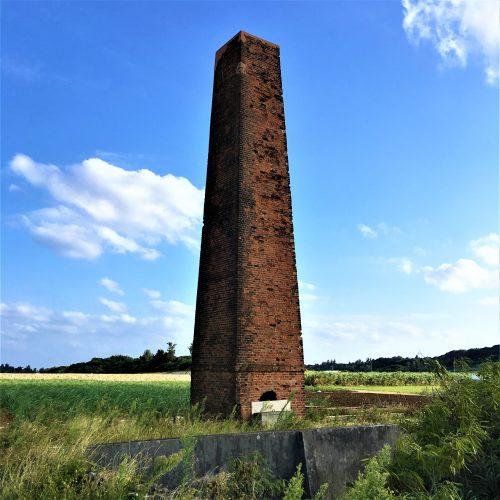宮古島市城辺西里添に残る「旧西中共同製糖場煙突」