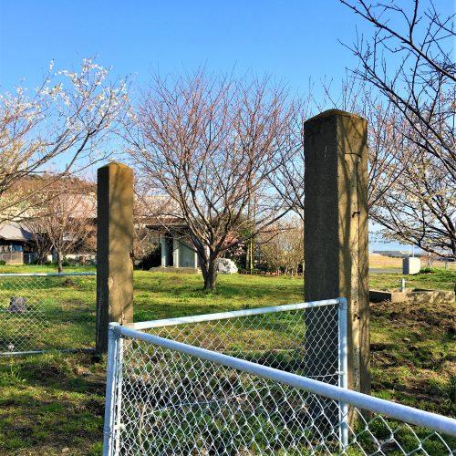 周南市大津島に残る「整備工場入口の門柱」